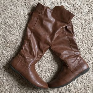 WIDE CALF leatherette slouchy boots